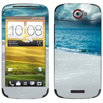 Виниловая наклейка «Грозовые облака над морем» на телефон HTC One S