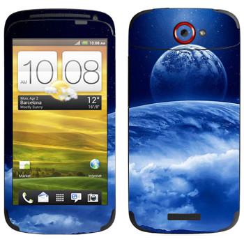 Виниловая наклейка «Вид на Землю и Луну из космоса» на телефон HTC One S