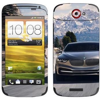 Виниловая наклейка «BMW на горной дороге» на телефон HTC One S