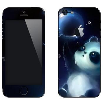 Виниловая наклейка «Панда и мыльный пузырь» на телефон Apple iPhone 5