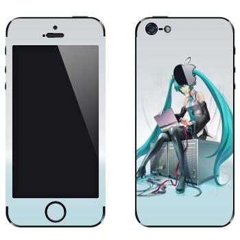 Виниловая наклейка «Мику Хацуне» на телефон Apple iPhone 5