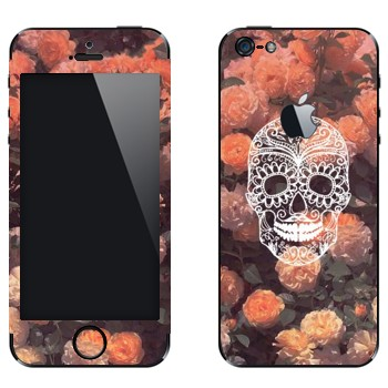Виниловая наклейка «Белый череп на розах» на телефон Apple iPhone 5