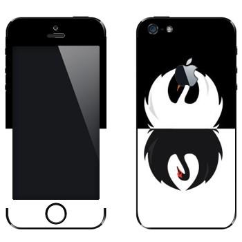 Виниловая наклейка «Черный и белый лебеди» на телефон Apple iPhone 5