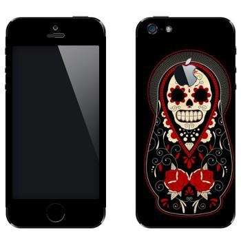 Виниловая наклейка «Матрешка-череп» на телефон Apple iPhone 5
