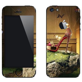 Виниловая наклейка «Красная туфелька на камне» на телефон Apple iPhone 5