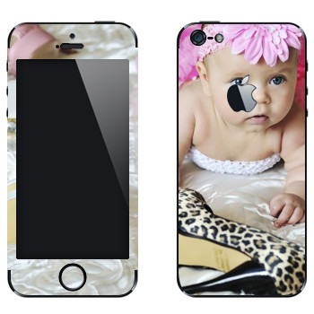 Виниловая наклейка «Маленькая модница» на телефон Apple iPhone 5