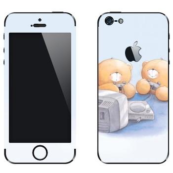 Виниловая наклейка «Медвежата Тедди играют в приставку» на телефон Apple iPhone 5