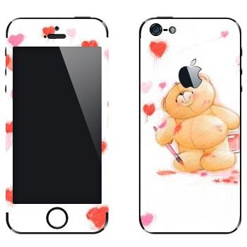 Виниловая наклейка «Медвежонок Тедди рисует сердечки» на телефон Apple iPhone 5
