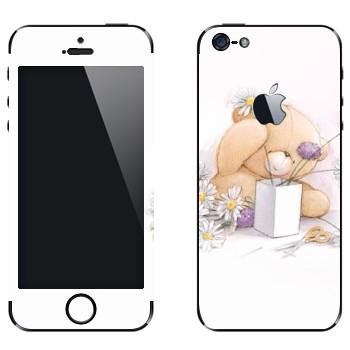 Виниловая наклейка «Медвежонок Тедди составляет букет» на телефон Apple iPhone 5