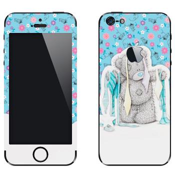 Виниловая наклейка «Медвежонок Тедди выбирает галстук» на телефон Apple iPhone 5
