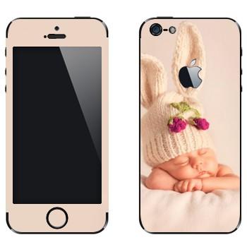 Виниловая наклейка «Ребенок-кролик» на телефон Apple iPhone 5
