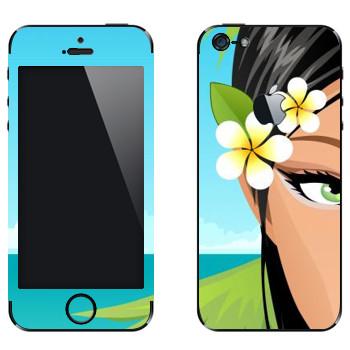 Виниловая наклейка «Зеленоглазая девушка на пляже» на телефон Apple iPhone 5