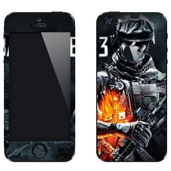 Виниловая наклейка «Battlefield 3 - военный» на телефон Apple iPhone 5