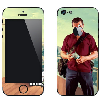 Виниловая наклейка «Майкл - GTA5» на телефон Apple iPhone 5