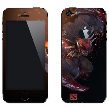 Виниловая наклейка «Охотник за кровью - Dota 2» на телефон Apple iPhone 5