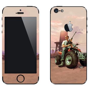 Виниловая наклейка «Тревор на квадрацикле - GTA5» на телефон Apple iPhone 5