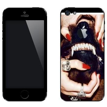 Виниловая наклейка «Givenchy Собачий оскал» на телефон Apple iPhone 5
