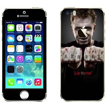 Виниловая наклейка «Кэл Лайтман - Обмани меня» на телефон Apple iPhone 5S