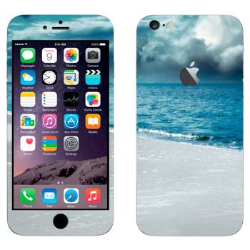 Виниловая наклейка «Грозовые облака над морем» на телефон Apple iPhone 6 Plus/6S Plus