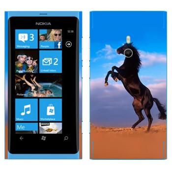 Виниловая наклейка «Лошадь на дыбах» на телефон Nokia Lumia 800