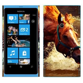 Виниловая наклейка «Лошадь в реке» на телефон Nokia Lumia 800