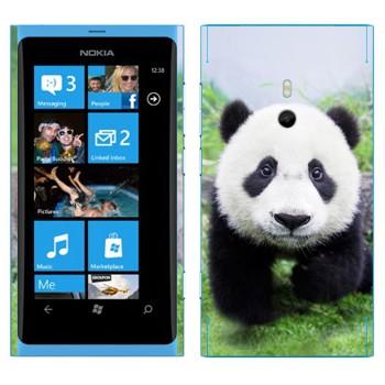 Виниловая наклейка «Панда в природе» на телефон Nokia Lumia 800