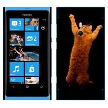 Виниловая наклейка «Рыжий кот стоит на двух лапах» на телефон Nokia Lumia 800