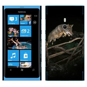 Виниловая наклейка «Волк в прыжке» на телефон Nokia Lumia 800
