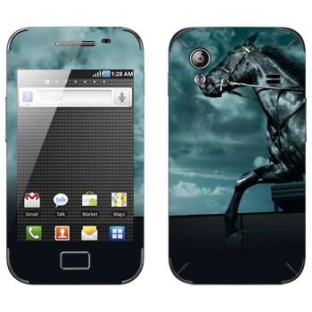 Виниловая наклейка «Черная лошадь в ночи» на телефон Samsung Galaxy Ace