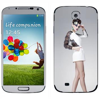 Виниловая наклейка «Длинноногая девушка на высоких каблуках» на телефон Samsung Galaxy S4