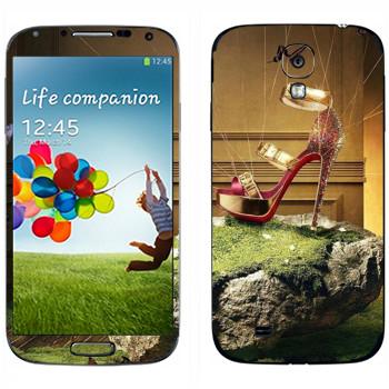 Виниловая наклейка «Красная туфелька на камне» на телефон Samsung Galaxy S4