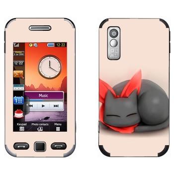 Виниловая наклейка «Кавайный спящий кот» на телефон Samsung S5230