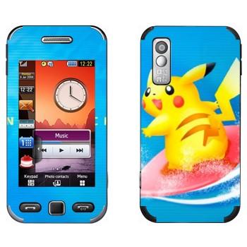 Виниловая наклейка «Пикачу-серфер» на телефон Samsung S5230